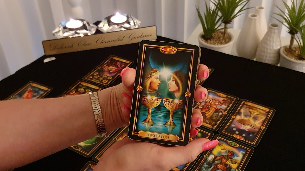 *AQUARIUS* August 2019 - Are fears & secrets preventing Soulmate love?