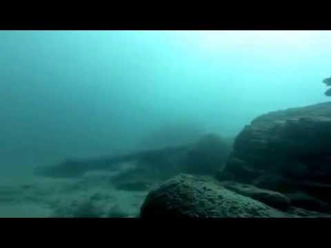 En busca de una cueva submarina …