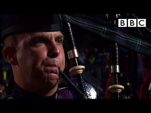 The Massed Pipes And Drums - Edinburgh Military Tattoo - BBC One - Smashpipe Entertainment