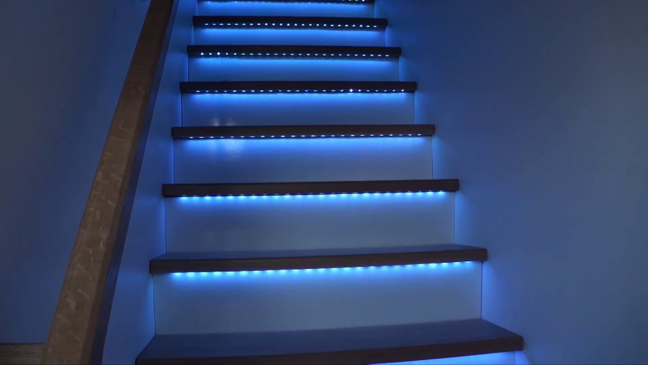 escalier bandeaux de led rgb youtube. Black Bedroom Furniture Sets. Home Design Ideas