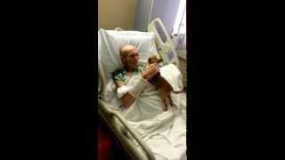 Bio je na rubu smrti, a onda su doveli njegovog psa. Sljedeće što se dogodilo svih je iznenadilo!