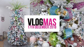How to style a Christmas tree: come decorate with me Tutorial: VLOGMAS DAY 18