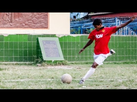 Manchester United Invite Teen Who Grew Up In Brothel For Trial - Smashpipe Film