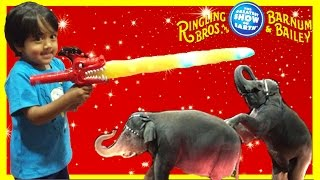 CIRCUS Ringling Bros. Barnum Bailey with Ryan ToysReview