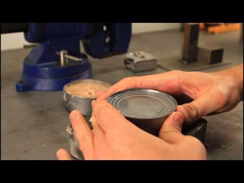 Како да отвориш конзерва со голи раце?