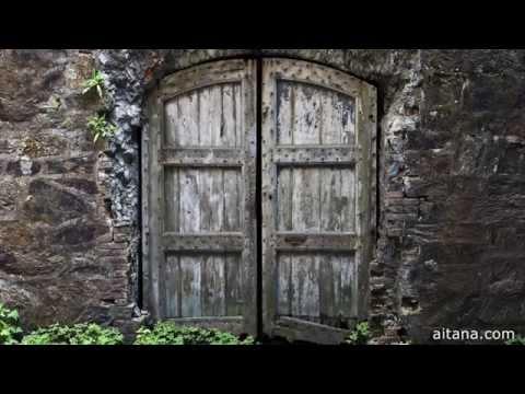 Si alguien llama a tu puerta. Felicitación año 2015 de Aitana Multimedia