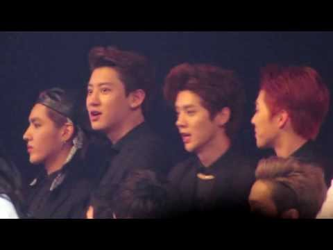EXO [Kris, Chanyeol, Luhan & Xiumin] during 2NE1's Performance - SBS Gayo Daejun 2013 [2NEXO]
