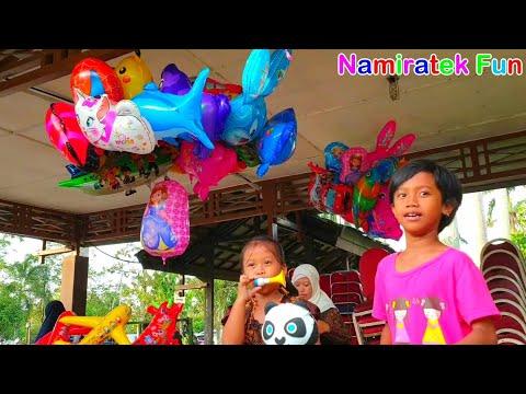 Anak lucu beli mainan anak balita balon karakter LOL Surprise ! & Balon Pentung Lucu Sekali
