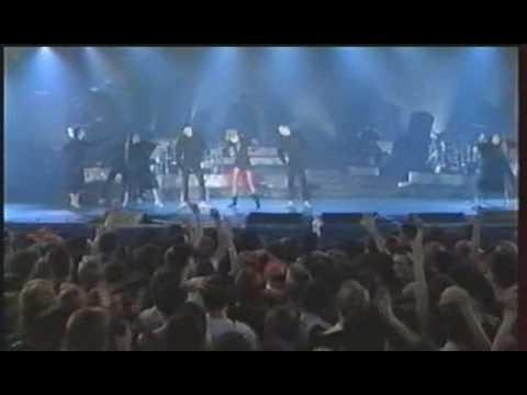 6. Pourvu qu'Elles soient Douces - Mylène Farmer (En Concert 89)