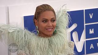Beyonce falls on stage at Coachella | Daily Celebrity News | Splash TV