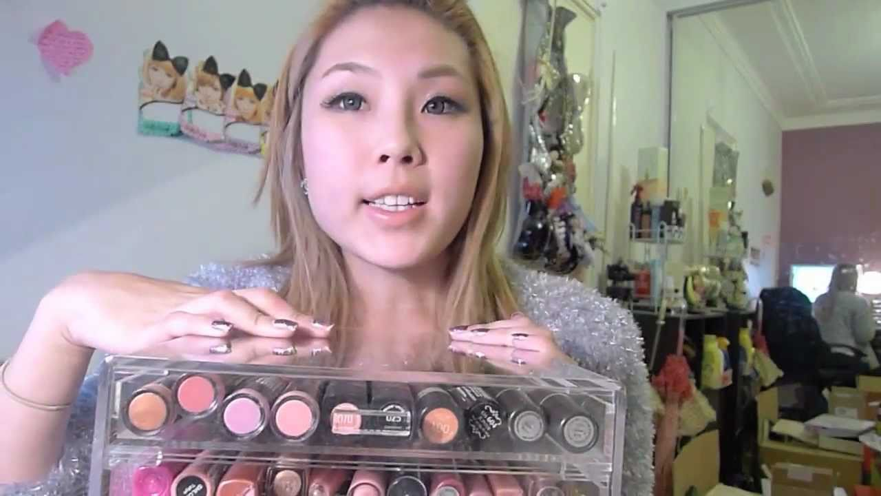 Kardashian Makeup Storage (Clear Acrylic Box) - YouTube