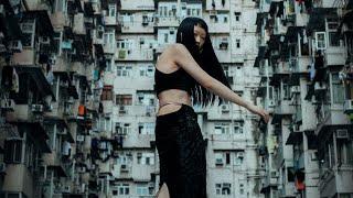EXPLORING HONG KONG WITH LOCALS