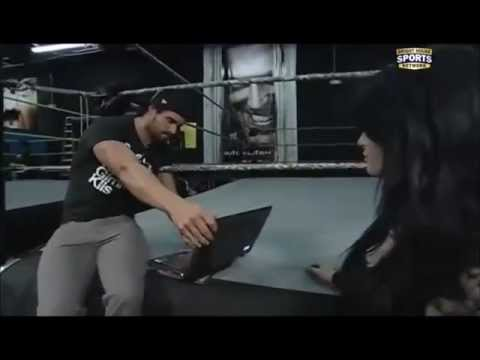 Dean Ambrose & Renee Young WWE RAW 10/13/2014 Musica Movil ...