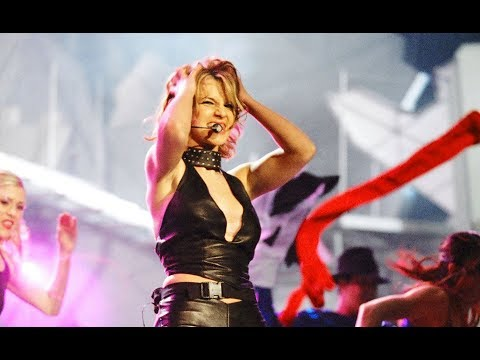 Britney Spears-Baby One More Time+Crazy W/BACKFLIP!-Live @ MTV's EMA