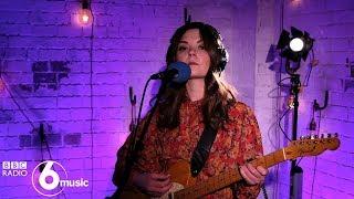 Honeyblood - She's A Nightmare (6 Music Live Room)