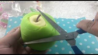 WHATS INSIDE HUGE PEELABLE APPLE SQUISHY!