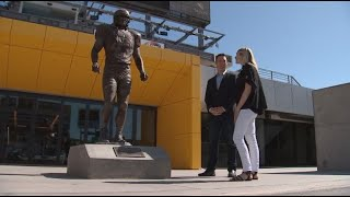 VIDEO: Marie Tillman makes first trip to Pat Tillman statue
