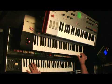 """King Korg + Roland Jupiter 8 + Alesis Ion + Alesis SR18 """"Mega Moog"""""""