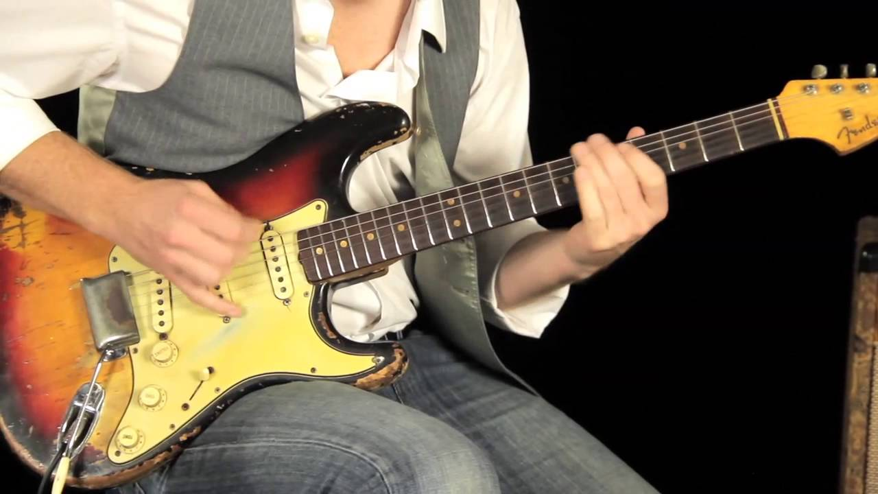 Vintage 1963 Fender Stratocaster Demo And Tone Review