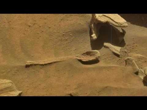 فيديو مثير ...العثور على ملعقة فوق ...