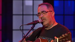 """Aaron Lewis Performs """"Am I The Only One"""" (The Daily Wire's CANDACE)"""
