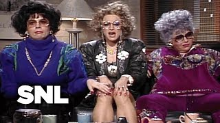 Coffee Talk: Liz Rosenberg and Barbara Streisand - SNL
