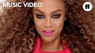 Tyra Banks ft. New Fear's Eve - Be A Star 2 (Official Video)   Life-Size 2