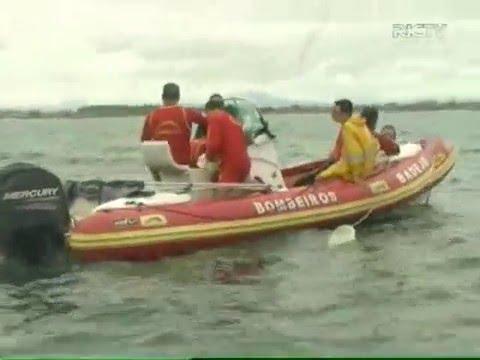 Avião com duas pessoas a bordo cai no mar em Florianópolis