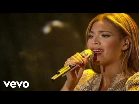 Beyoncé - Sweet Dreams (Live at Wynn Las Vegas)