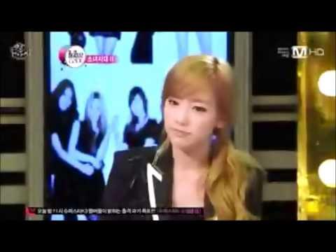 [EXOSHIDAE] Baekhyun playing piano + Taeyeon's reaction @ Beatles Code
