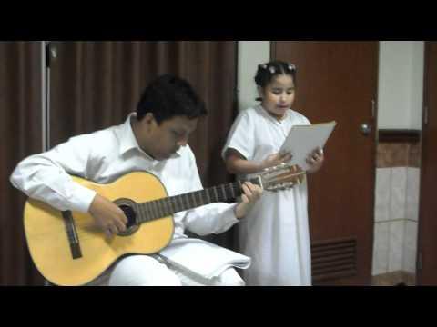 Cuando yo me bautice por  Claudette Melgar, acompañada por su tío Josean.