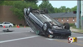 Hearse crashes during funeral procession