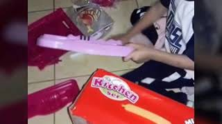 Unboxing and assembling kitchen toy set from lazada
