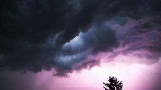 NRWspot.de | Dunkle Gewitterwolken, Blitz und Donner über Hagen