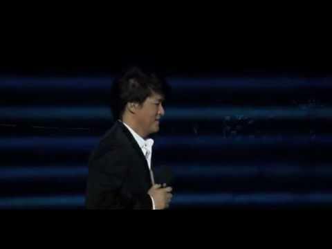 视频:宝马悦盛典 周华健演唱《传奇》