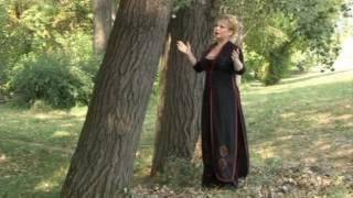 Suzana Spasovska - So Maki Sum Se Rodila