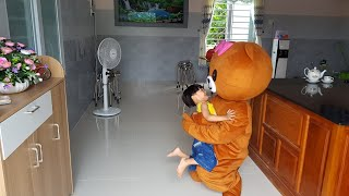 Gấu Brown Đến Nhà Thăm Tin Siêu Còi