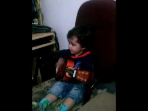 Baixar Hiltinho cantando música da Banda do Tio Leco (GOBSTOPPER) e Céu Azul