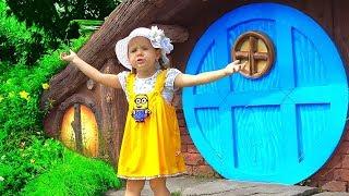 Diana juega en el Parque de diversiones
