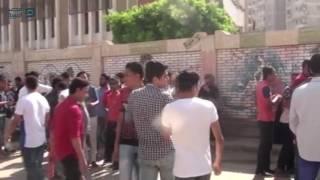مصر العربية | الطلاب وأولياء الأمور أمام لجان امتحانات المنيا     -