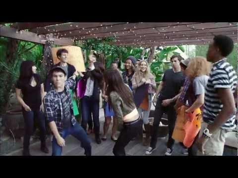 Maroon 5 Medley! - Victoria Justice & Max Schneider