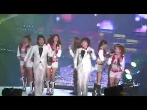 [FANCAM] 100203 Ryeowook & Kyuhyun CUT dancing Gee on SNSD's encore @ 19th SMA