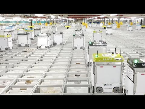 Highly automated robotic warehouse can pack 50 items in five minutes