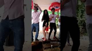 Hót girl êđê nhảy cực chất