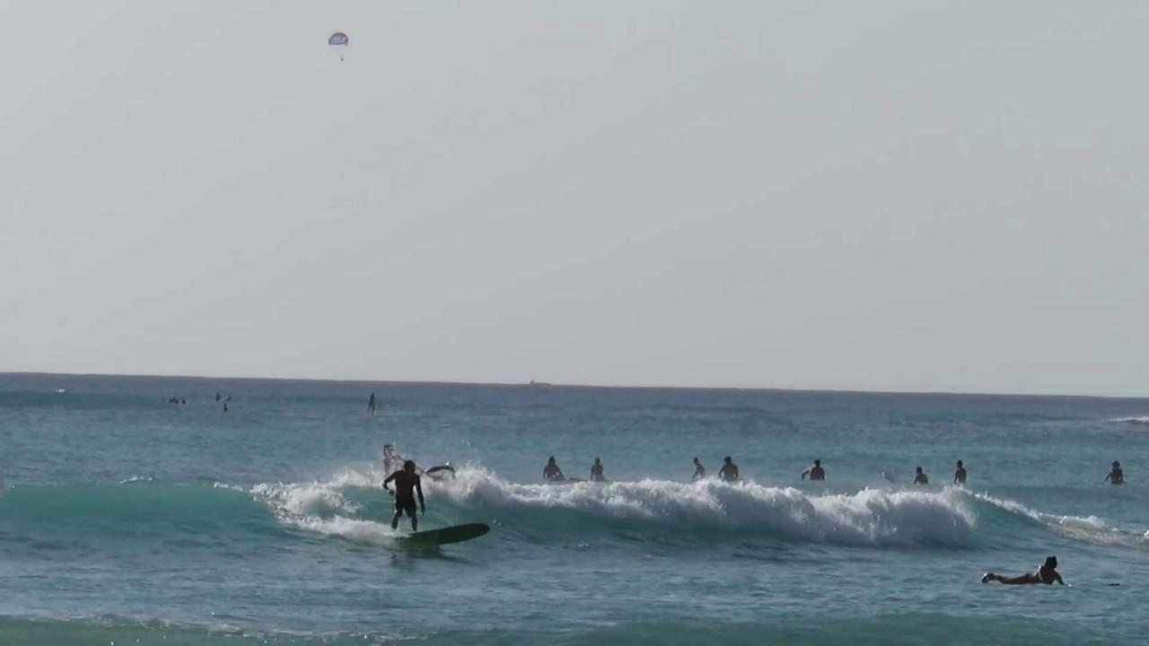 waikiki beach surfer surfing hawaii oahu honolulu 11282016 2
