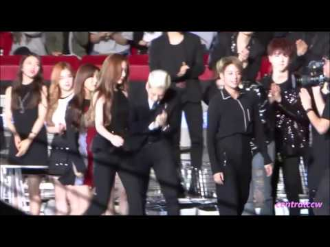 151202-BTS V and f(x) Krystal at MAMA 2015