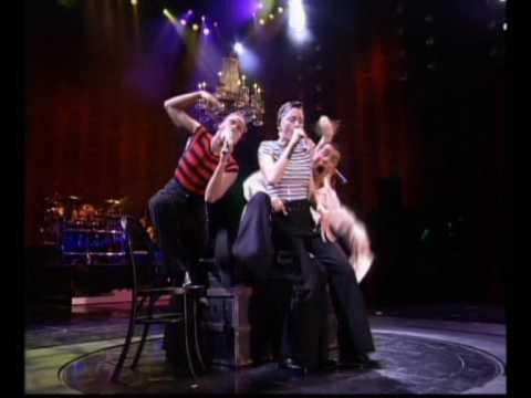 Madonna - La Isla Bonita/I'm Going Bananas (Girlie Show pt11)