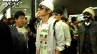 Super Junior arrived Noibai Airport by  9h30am  27/03