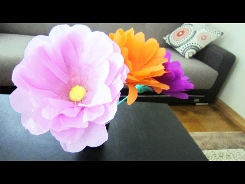 How to make giant flowers using plastic bottles
