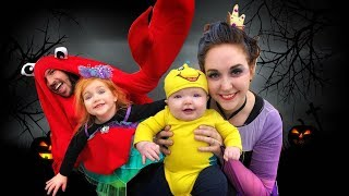 The Little Mermaid in REAL LIFE (TRICK OR TREATING with ARIEL URSULA FLOUNDER and SEBASTIAN)